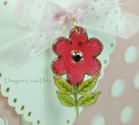 Close_up_flower_charm